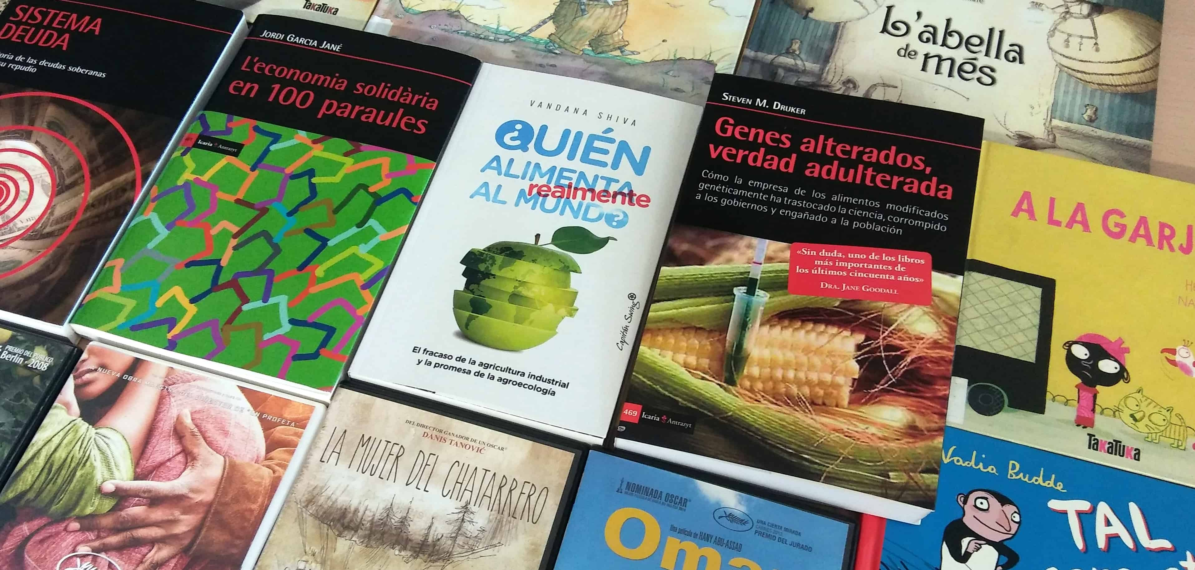 """Empieza su camino una nueva edición de la biblioteca viajera """"Informa't a fons"""""""