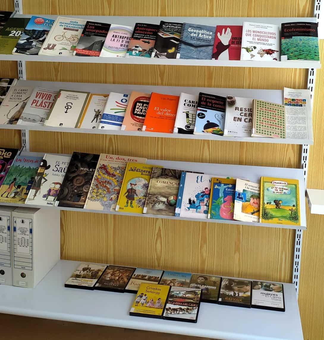 «Informa't a fons» vuelve a las bibliotecas